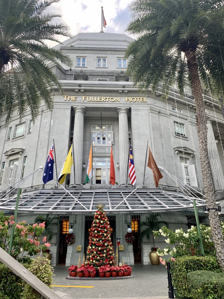 Front view of the Fullerton Hotel in Singapore